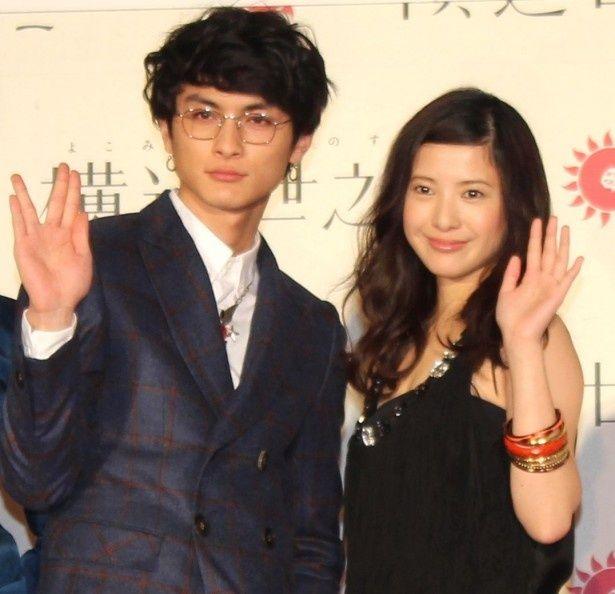 『横道世之介』舞台挨拶に登壇した高良健吾と吉高由里子