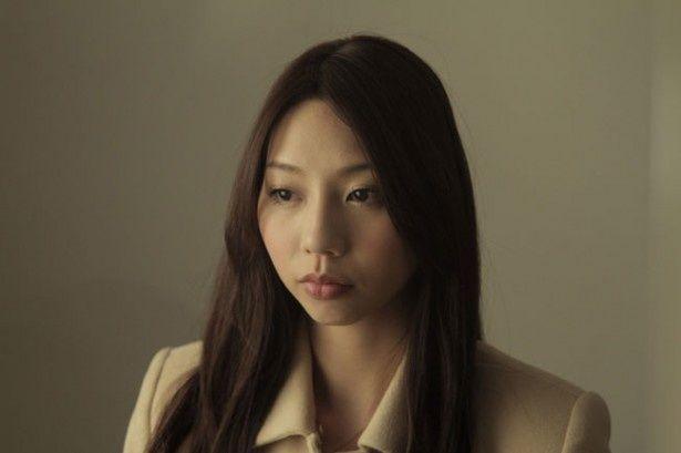 ヒロインを演じるのはグラビアアイドルとして活躍する小泉麻耶