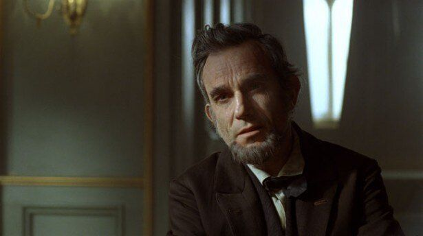 【写真を見る】オスカー俳優ダニエル・デイ=ルイスのなりきりが素晴らしい『リンカーン』