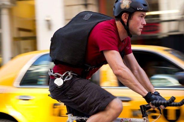 人気上昇中のジョゼフ・ゴードン=レヴィットが自転車でニューヨークを疾走!