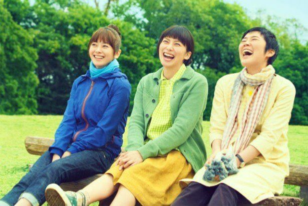 【写真を見る】柴咲コウ、真木よう子、寺島しのぶの笑顔がまぶしい劇中シーンはこちら