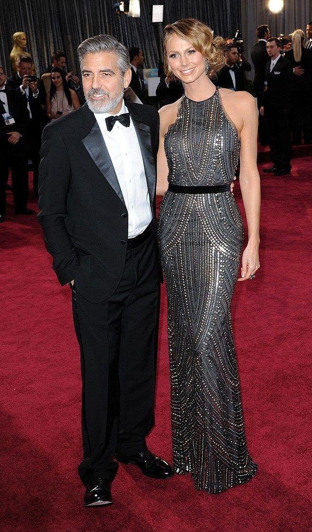ステイシー・キーブラーのナイーム・カーンのメタリックドレスも好評だった