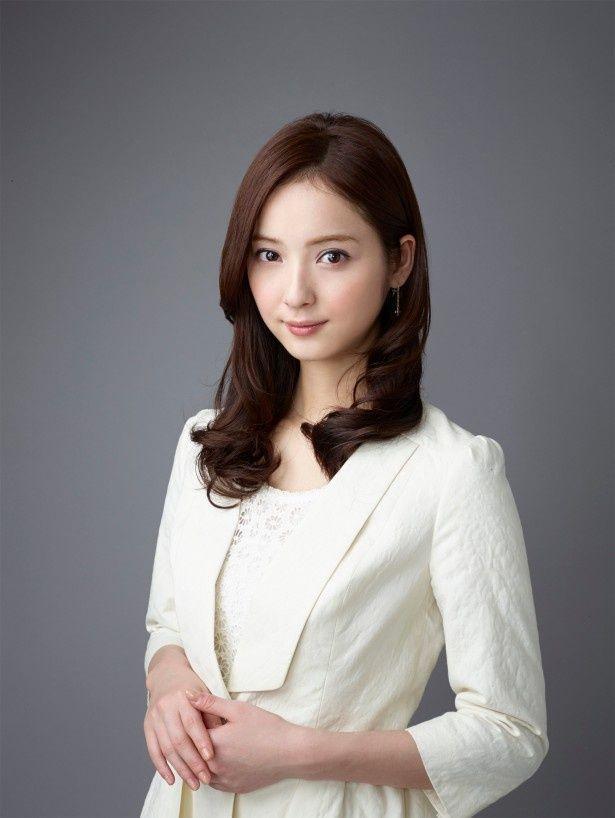 「お天気お姉さん」で女子アナ役に初挑戦する佐々木希