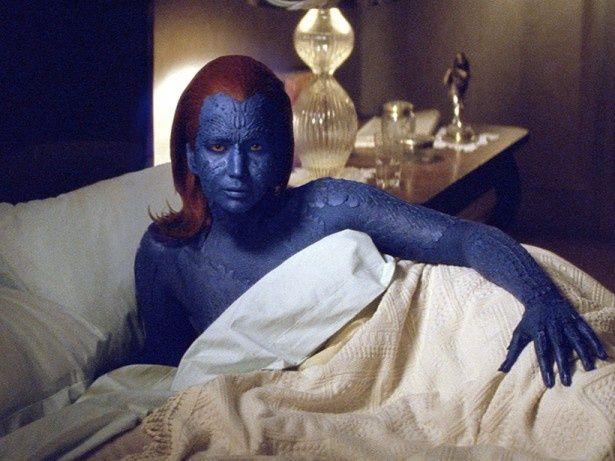 ジェニファーは、塗料で皮膚にアレルギー反応を起こしながら同役に取り組んでいた