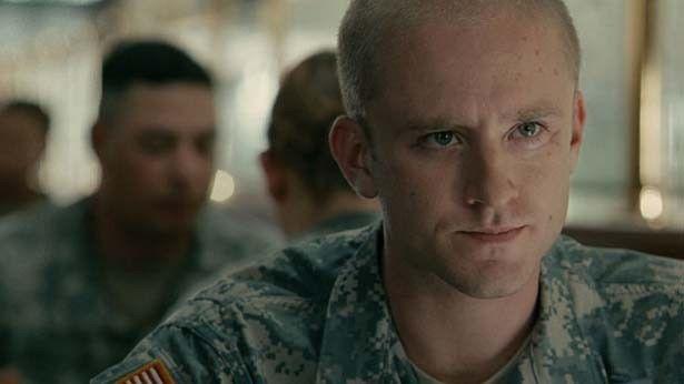 戦争から帰国し、メッセンジャーに選ばれるウィル軍曹役に『3時10分、決断のとき』(09)のベン・フォスター