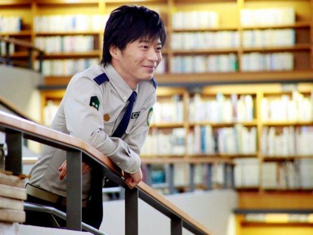 【写真を見る】自衛組織・図書隊の小牧幹久を演じる田中圭