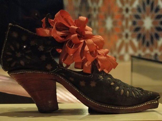 ルネサンス期の靴から、今日のピンヒールまでの歴史を追う