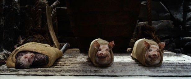 【写真を見る】これが衝撃の豚のパイ包みと人間のパイ包みだ!