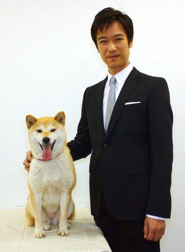 堺雅人と犬との競演も見どころのひとつ