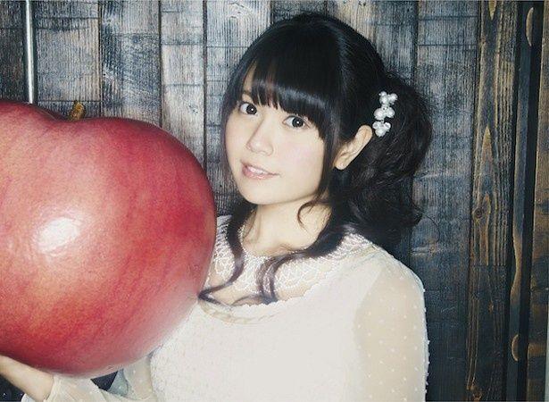 人気声優・竹達彩奈が川本真琴の楽曲を歌うことになった