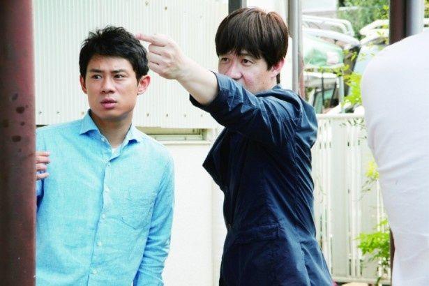 伊藤淳史と内村光良監督の撮影の様子