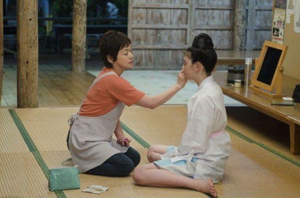 母親役を演じるのは大竹しのぶ