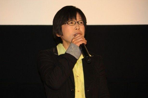 本作のテーマ「愛情の連鎖」について語った平松恵美子監督