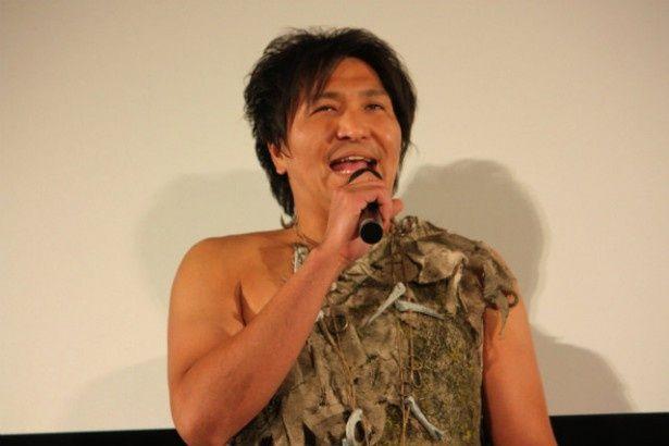 巨人役の声優を務めたスリムクラブの真栄田賢