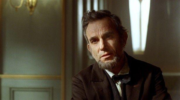 【写真を見る】リンカーンを演じたダニエル・デイ=ルイスは、第85回アカデミー主演男優賞を受賞