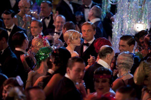 毎夜のように豪華絢爛なパーティーを開くジェイ・ギャツビー