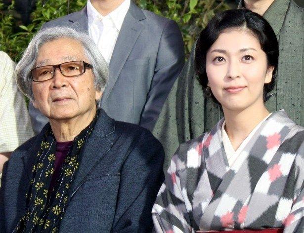 『小さいおうち』の製作会見に登壇した山田洋次監督と松たか子