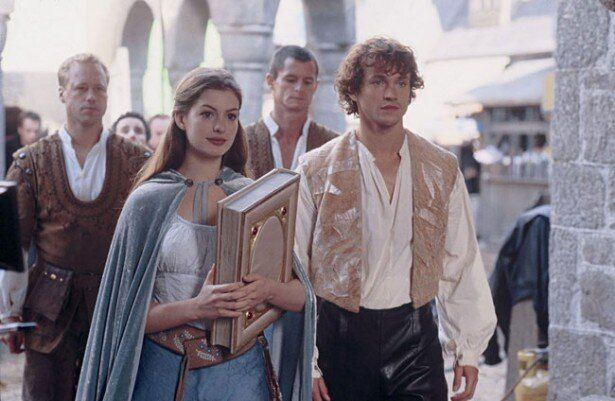 今から9年前のアン・ハサウェイ。やはりお姫様役が似合う!