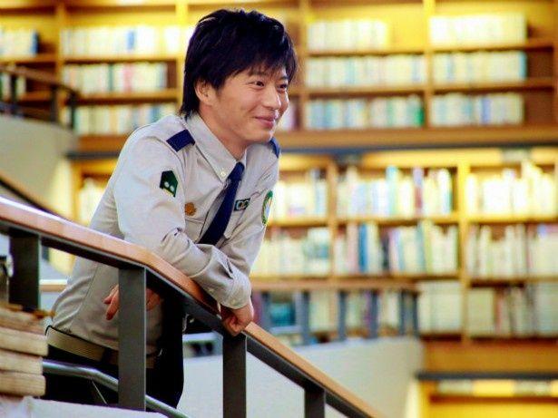 田中圭が扮するのは、堂上篤(岡田准一)のバディである小牧幹久役