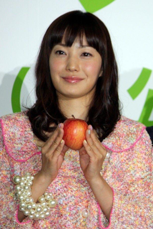 『奇跡のリンゴ』で献身的な妻役を演じた菅野美穂