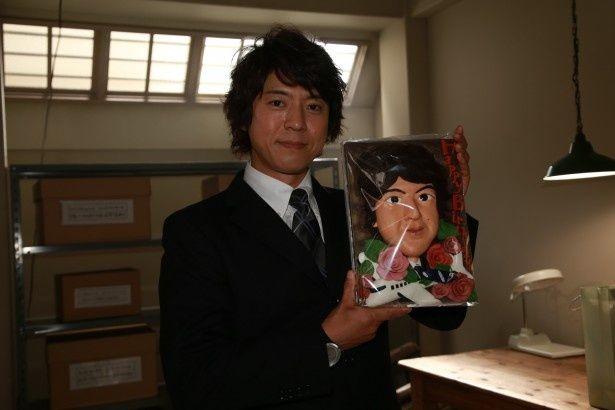 「遺留捜査」の現場での粋なバースデープレゼントに、上川隆也は照れ笑いを浮かべた