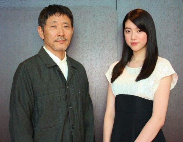 『旅立ちの島唄十五の春』で共演した三吉彩花と小林薫