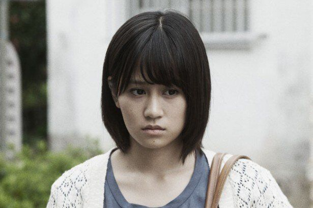 クロユリ団地に引っ越してきた明日香を演じた前田敦子