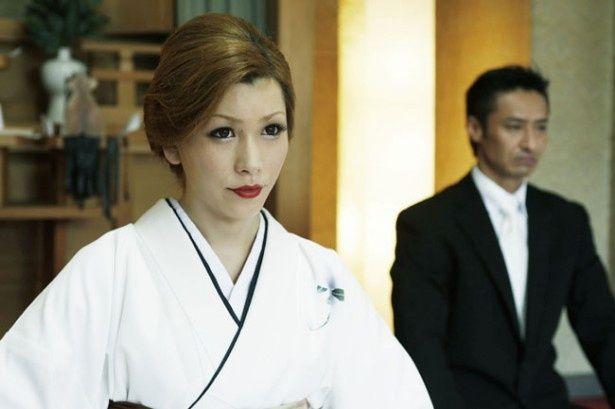 「ひげガール」の人気ニューハーフ、ベルが映画初主演
