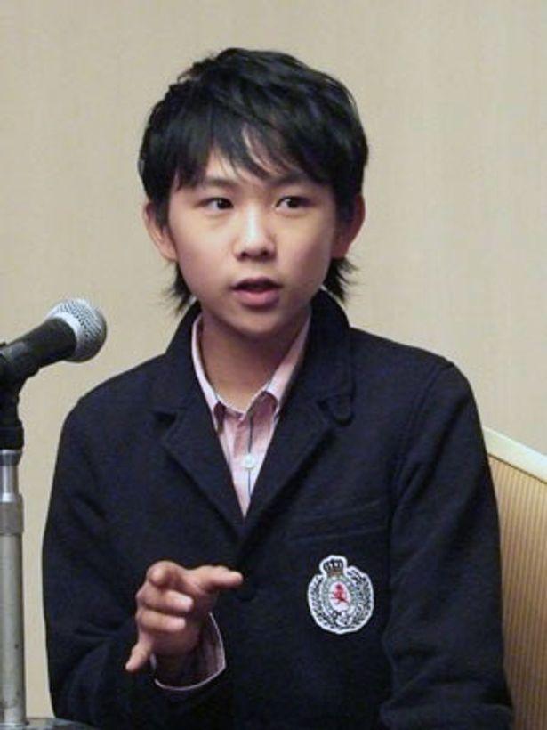 背も伸びすっかり大人の顔つきになった須賀健太