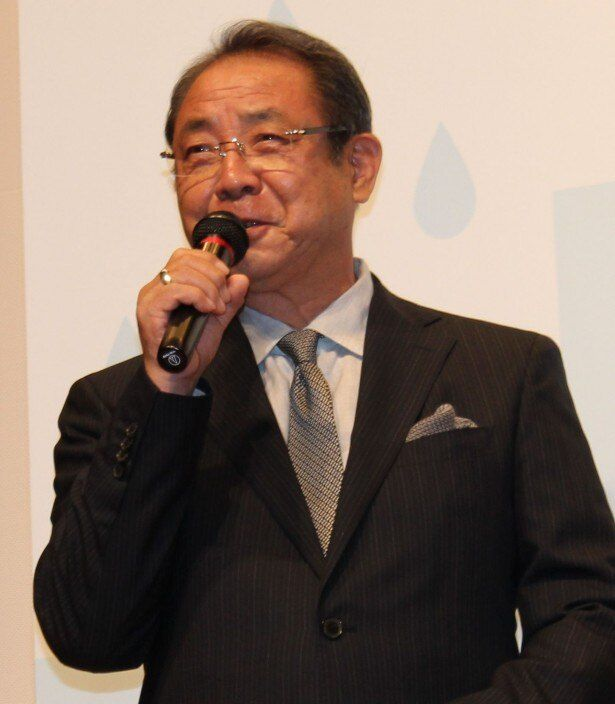 健太郎の父親役を演じた平泉成
