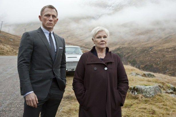 【写真を見る】舞台の仕事を優先させるために、007シリーズ第24弾の監督を断っていたサム・メンデス監督