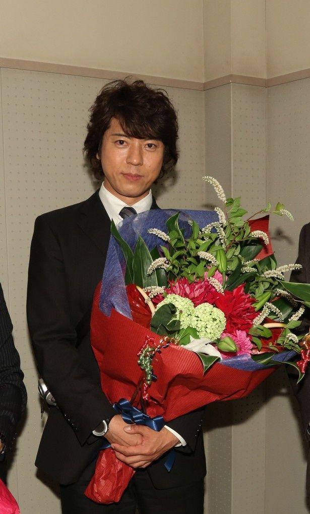 全てのシーンを終え、祝福を受ける糸村聡役・上川隆也。「思い入れとはまた違う何かが何かがあるんですよね」と熱く語る