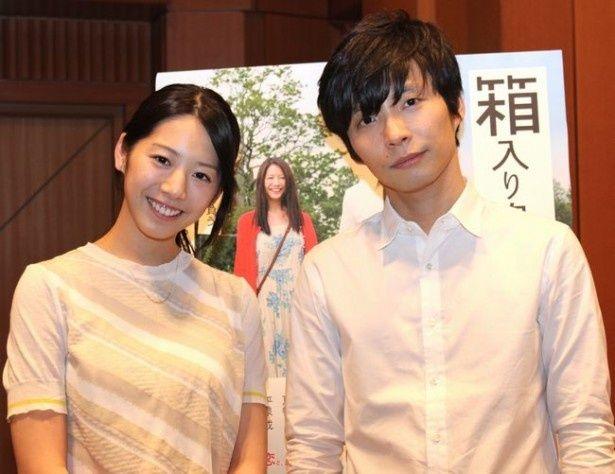 愛らしいカップル誕生!星野源と夏帆にインタビュー