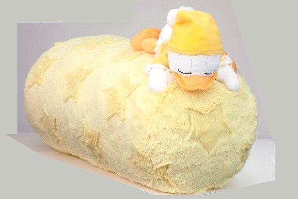 パジャマ姿のドナルドがセットになった枕など、ファンにはたまらないアイテムがずらり!