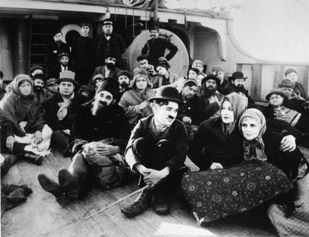監督・主演を務めた1917年公開作「チャップリンの移民」
