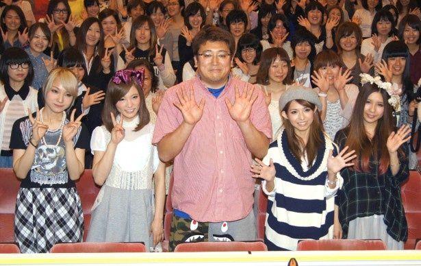 スペシャルトークイベントに登場したSCANDALと福田雄一監督