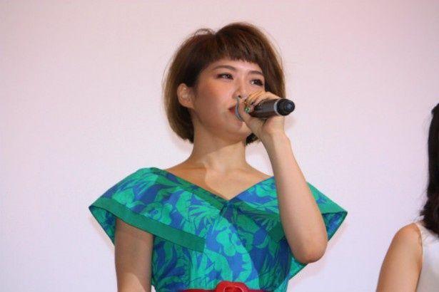 主題歌「手紙」を歌った泉沙世子