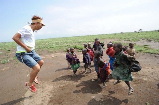 タンザニアにて(『DANCE EARTH ~BEAT TRIP~』より)