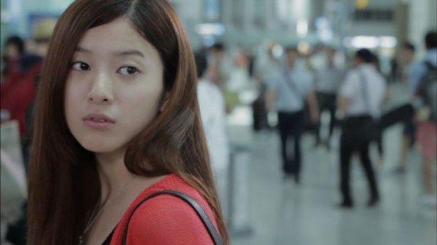 「ヴァンパイア検事 残された赤い記憶」で吉高由里子が演じるのは占い師のルナ