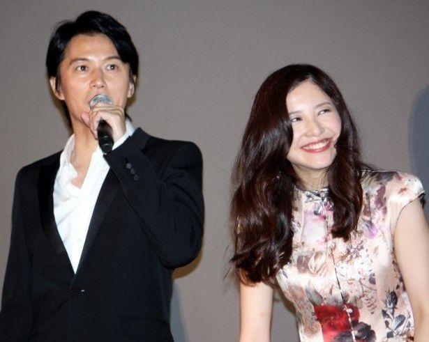 福山雅治と吉高由里子が絶妙な掛け合いを見せた