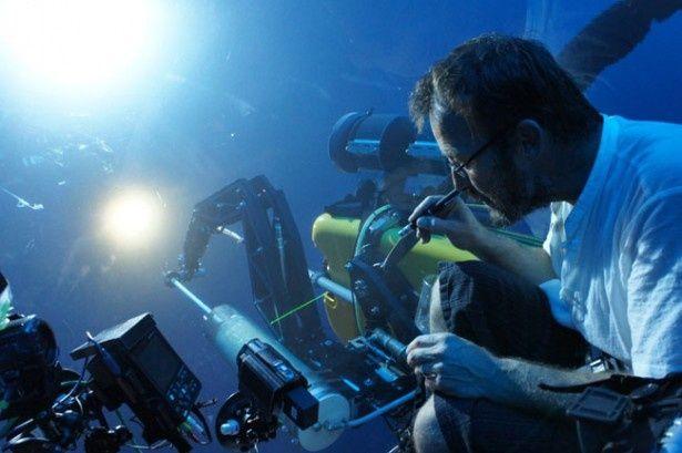 このためにNHKが開発した深海用超高感度カメラが使用されている
