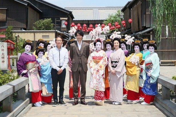 新作映画『舞妓はレディ』の製作発表記者会見に周防監督のほか、上白石萌音、長谷川博己、富司純子が出席