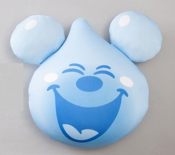 笑顔がキュートな、しずくデザインのミッキーマウスクッション(2000円)