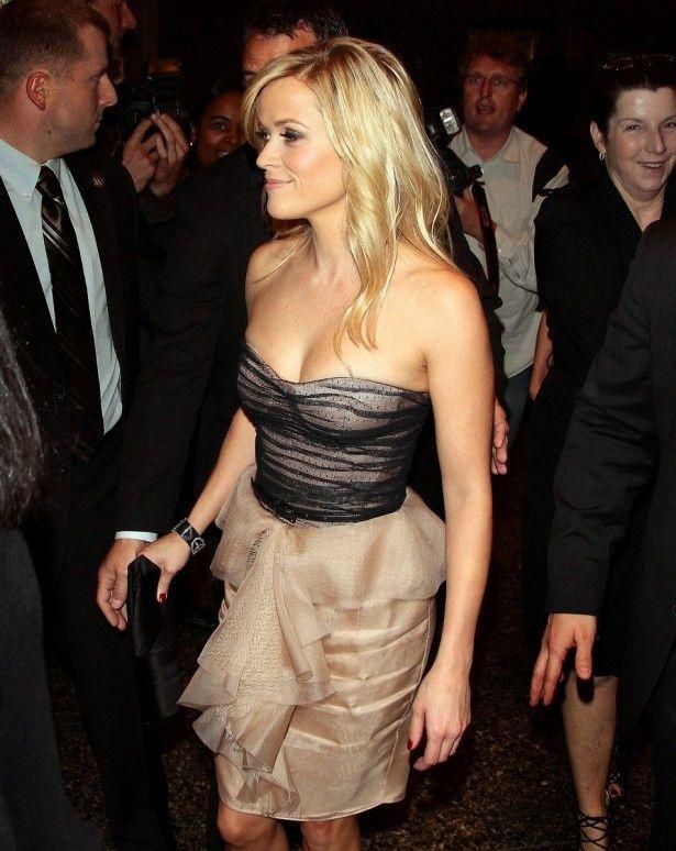 3年前にはセクシーなドレス姿にも