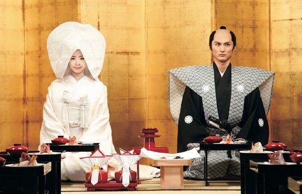 """上戸彩演じる料理好きなお春が""""包丁""""で夫を支えていく"""