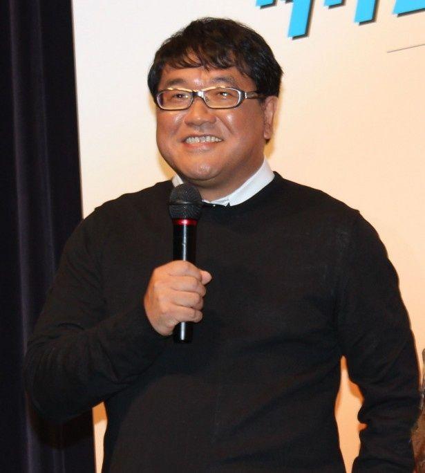 沢嶋の上司役を演じるカンニング竹山