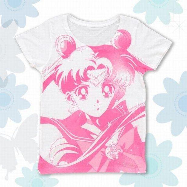 セーラームーンをモチーフにした、お洒落で可愛いTシャツ