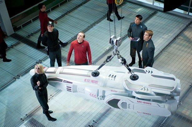 カーク船長たちとクリンゴン人とのバトルを特別映像でチェック!