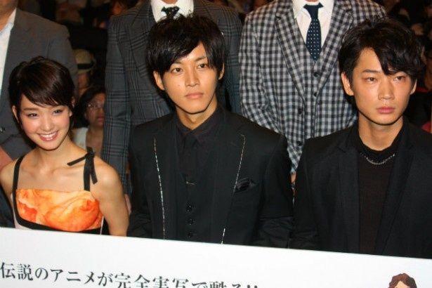 『ガッチャマン』の舞台挨拶に出席した松坂桃李、綾野剛、剛力彩芽