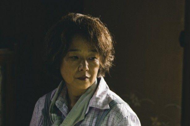 実の母親役に田中裕子